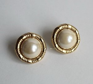 Vintage Ear stud gold-colored-white