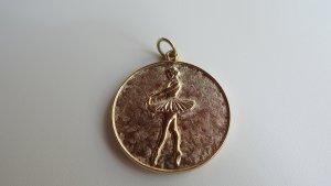 Colgante color oro metal