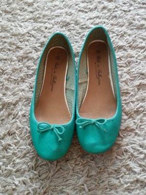 Verkaufe Ballerinas in grün Gr. 42 von ATOSPHERE - stark abgenutzt