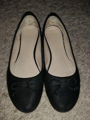 Verkaufe Ballerinas in schwarz Gr. 41 - stark abgenutzt