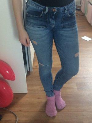 Verkaufe blaue Zara Jeans mit löchern