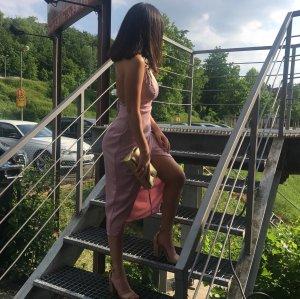 Verkaufe dieses schöne Kleid (rückenfrei)