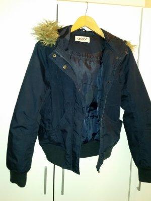 Verkaufe gebrauchte Jacke Gr. M von ONLY in dunkelblau