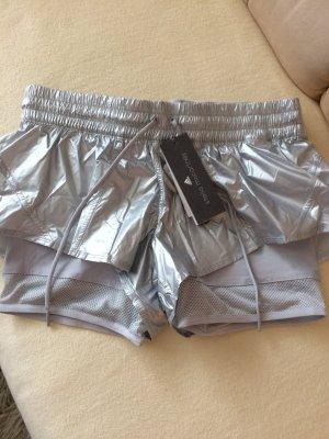 Verkaufe hier eine super schöne neue Adidas Short