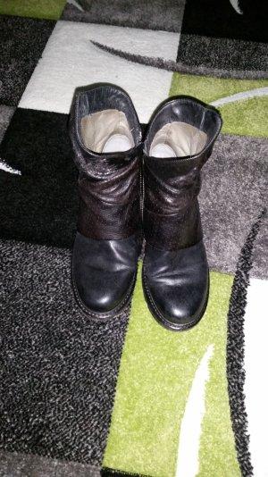 verkaufe hier meine wunderschönen boots von Air Step