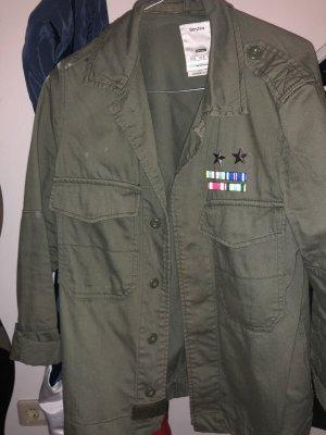 Verkaufe Khaki farbige Jacke