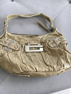 Verkaufe kleinere guess Tasche in Schlamm Farbe!