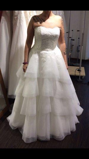 Verkaufe mein traumhaftes Brautkleid Gr. 40 mit Volantrock!