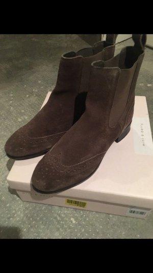 Verkaufe Mint&Berry Leder Chelsea Boots Taupe 38
