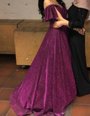 Vestido de novia púrpura