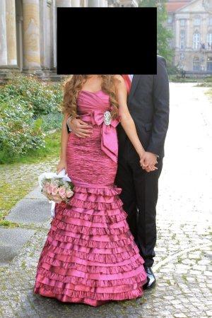 Verlobungs- oder Abendkleid