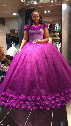 Vestido de novia violeta azulado