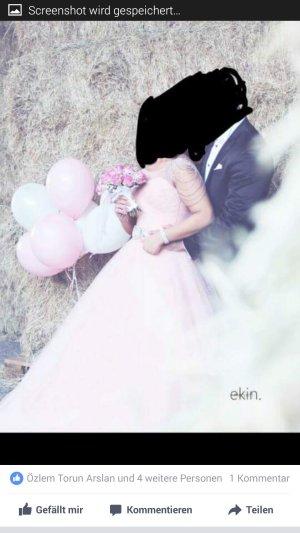 Verlobungskleid in rosa