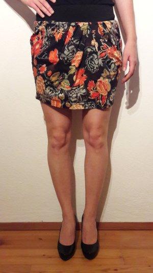 Vero Moda Blumen-Minirock