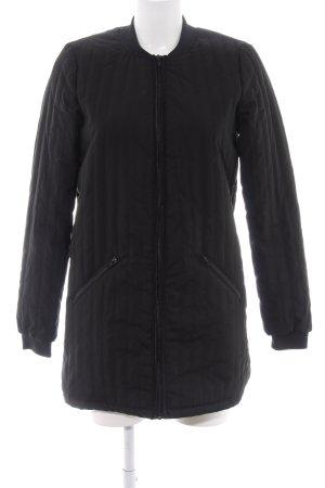 Vero Moda Bomberjack zwart quilten patroon simpele stijl