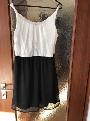 Vero Moda Shortsleeve Dress white-black