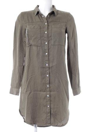 Vero Moda Blusa-camisa gris verdoso look casual