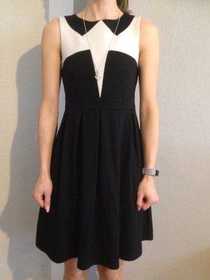 Vero Moda vestido de globo negro-crema
