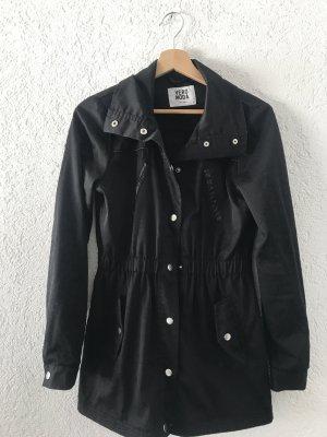 Vero Moda Leichter schwarzer Mantel Größe S