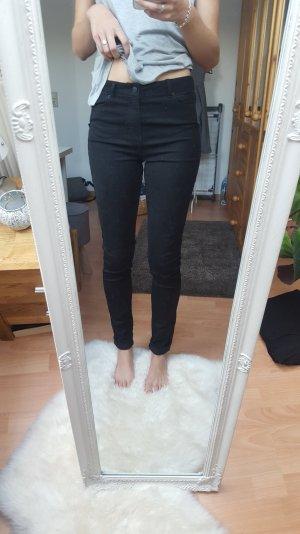 Vero Moda - schwarze Jeans; Gr. M/34