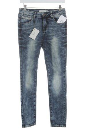 Vero Moda Skinny Jeans stahlblau Street-Fashion-Look