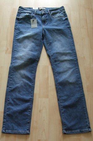 VERO MODA Straight Leg Jeans W31 L32 - NEU