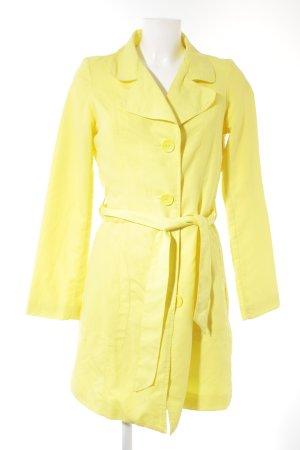 Vero Moda Trench Coat neon yellow casual look