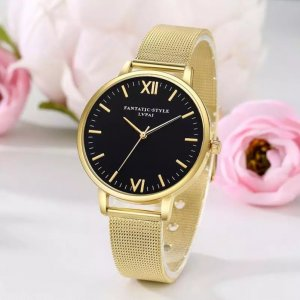 Verpackte goldene Frauenuhr