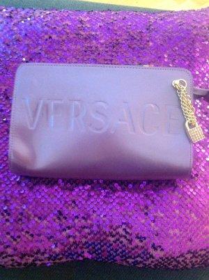 Versace Clutch Tasche mit Versace Armband Taschenanhänger mit Cristallen