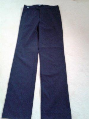 Versace Hose schwarz, passt der 36 sehr gut, leicht zu pflegen