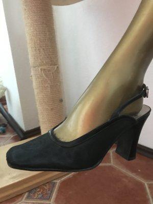 Versace Décolleté modello chanel nero