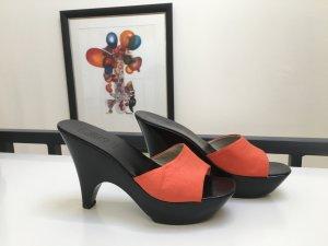 Versace Sandalo alto con plateau nero-arancione