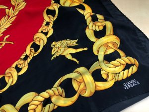 Versace Panno di seta multicolore