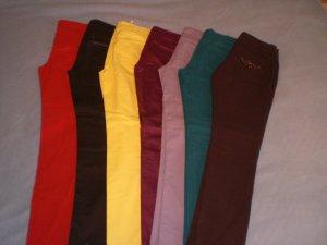 Verschiedene trendige Stoffhosen in aktuellen Farben, Gr. 36