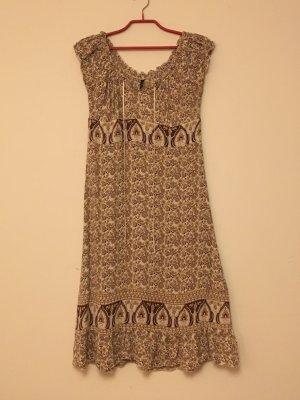 Verspieltes Boho-Kleid