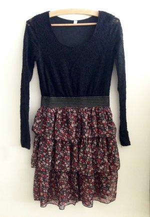 Verspieltes Kling Kleid - schwarze Spitze - Blümchenrock