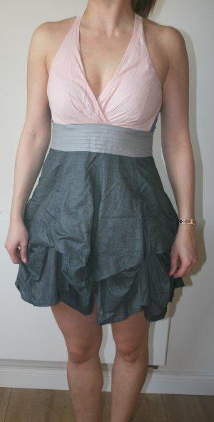 verspieltes knappes Kleid im metallic look