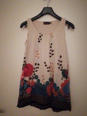 Verspieltes Mini-Kleid