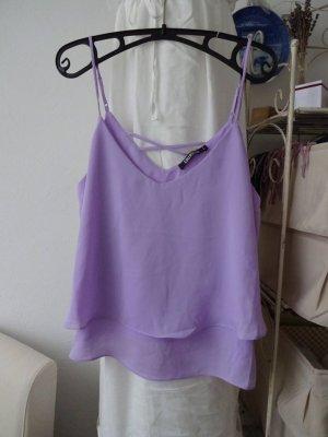 verspieltes Volantop violett