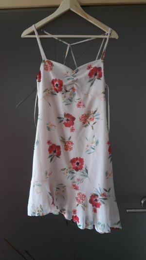 verspieltes, zartes Sommerkleid Bershka