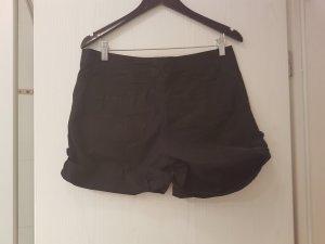 Verstellbare Shorts in Schwarz  (H&M)