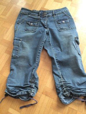 Verwaschene 3/4 Jeans