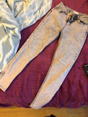 Verwaschene Rosa/graue Jeans