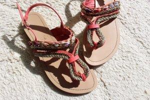 verzierte Sandalen von New Look