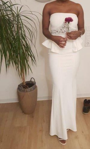 verziertes Brautkleid mit Schößchen
