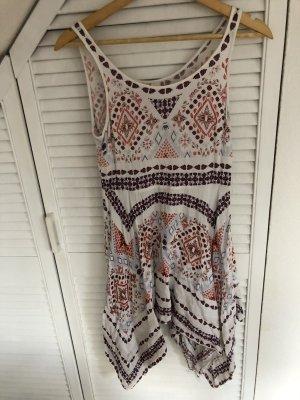 Verziertes Sommerkleid