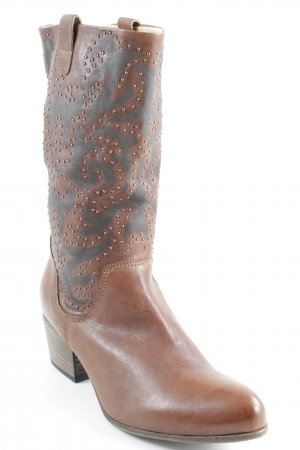 vic Western Boots brown casual look