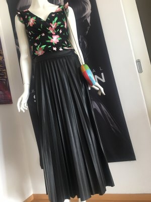 Vicolo maxirock Faltenrock schwarz Leder Optik Blogger Style und embroidery Shirt top Small