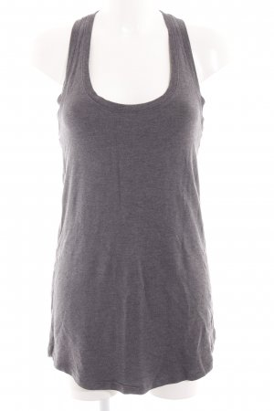 Victoria's Secret Top largo gris claro moteado look casual