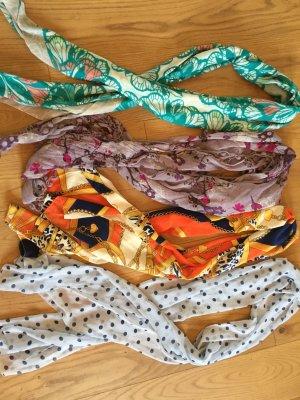Vier Schals/Tücher im Paket